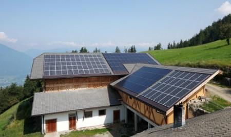 """Solarwatt Easy-In, il sistema integrato con montaggio """"live"""""""
