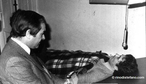 Prof. Rolando Marchesan during the hypnotic treatment with Pentotal on Zanfretta