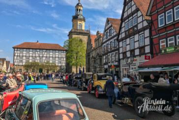 21. Oldtimer Weserberglandfahrt: In Käfer, Jaguar und Co. durch die Region