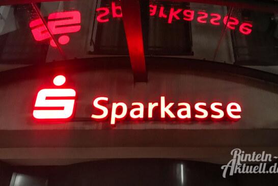 Sparkasse Schaumburg baut neun Geschäftsstellen zu SB-Filialen um
