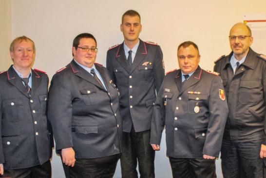 Fernmeldezug der Kreisfeuerwehr blickt zurück: 18 Dienste, vier neue Mitglieder und zwei Beförderungen