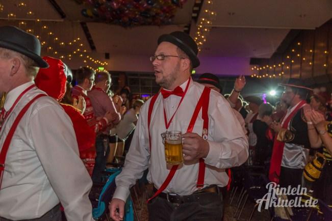 32 rintelnaktuell rcv prunksitzung 2018 rintelner carnevalsverein narren brueckentorsaal