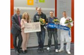 HSV-Fanclub spendet für Palliativstation im Klinikum Schaumburg