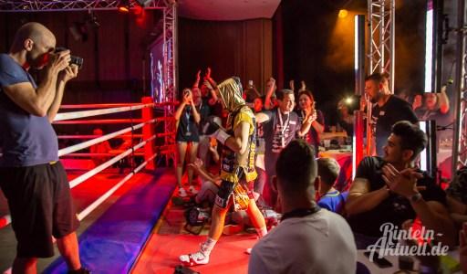 01 rintelnaktuell profiboxen piergiulio ruhe sport brueckentorsaal boxring event waru kampf gegner runden