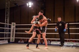 03 rintelnaktuell vorprogramm abend kickboxen frauenboxen profiboxen piergiulio ruhe sport brueckentorsaal boxring event waru kampf gegner runden