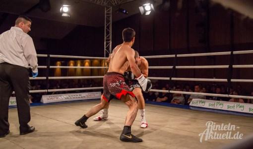 06 rintelnaktuell profiboxen piergiulio ruhe sport brueckentorsaal boxring event waru kampf gegner runden