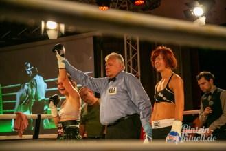 32 rintelnaktuell vorprogramm abend kickboxen frauenboxen profiboxen piergiulio ruhe sport brueckentorsaal boxring event waru kampf gegner runden