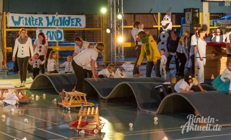 04 rintelnaktuell vtr vereinigte turnerschaft rinteln turnschau 2018 winterwunderland sport gruppen darbietung vorstellung kreissporthalle burgfeldsweide