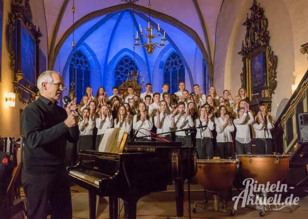 09 rintelnaktuell weihnachtskonzert gymnasium ernestinum nikolaikirche 2018 advent bigband abichor musici ernesti ensemble musik