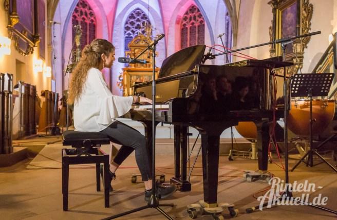 27 rintelnaktuell weihnachtskonzert gymnasium ernestinum nikolaikirche 2018 advent bigband abichor musici ernesti ensemble musik