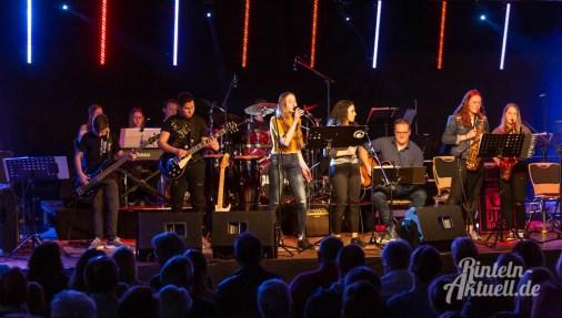03 rintelnaktuell ernies hausband ernestinum bigband jahreskonzert jazz rock 2019 aula gymnasium musik