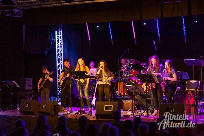 07 rintelnaktuell ernies hausband ernestinum bigband jahreskonzert jazz rock 2019 aula gymnasium musik