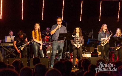 08 rintelnaktuell ernies hausband ernestinum bigband jahreskonzert jazz rock 2019 aula gymnasium musik