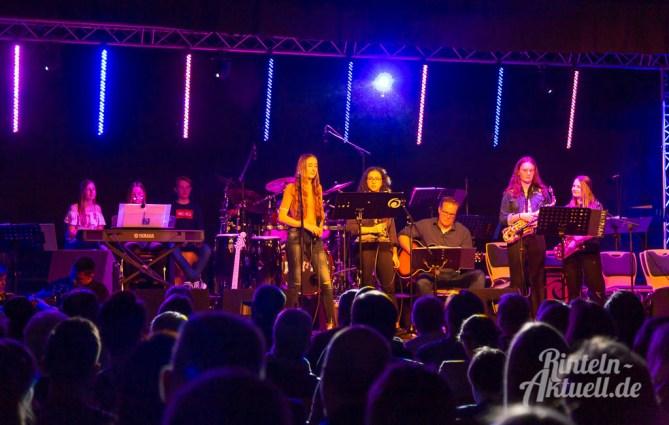12 rintelnaktuell ernies hausband ernestinum bigband jahreskonzert jazz rock 2019 aula gymnasium musik
