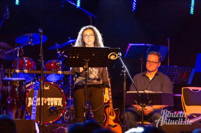 13 rintelnaktuell ernies hausband ernestinum bigband jahreskonzert jazz rock 2019 aula gymnasium musik