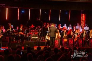 17 rintelnaktuell ernies hausband ernestinum bigband jahreskonzert jazz rock 2019 aula gymnasium musik