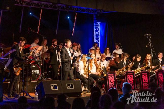 21 rintelnaktuell ernies hausband ernestinum bigband jahreskonzert jazz rock 2019 aula gymnasium musik