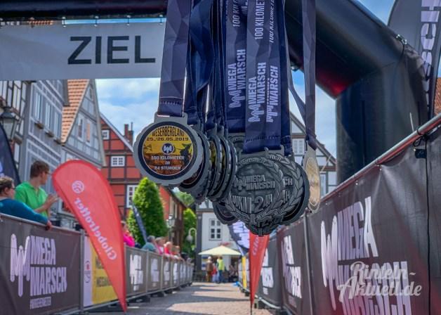 07 rintelnaktuell megamarsch weserbergland wandern 2019 marktplatz event veranstaltung