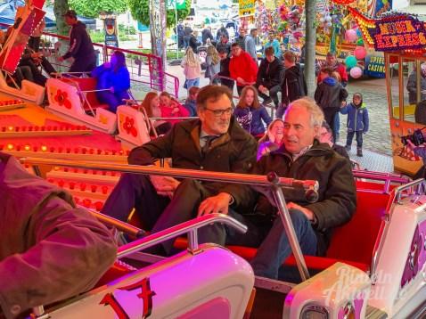 10 rintelnaktuell rintelner maimesse 2019 karussell fahrgeschaefte kirmes altstadt innenstadt jahrmarkt tradition