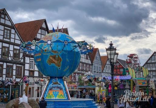 18 rintelnaktuell rintelner maimesse 2019 karussell fahrgeschaefte kirmes altstadt innenstadt jahrmarkt tradition