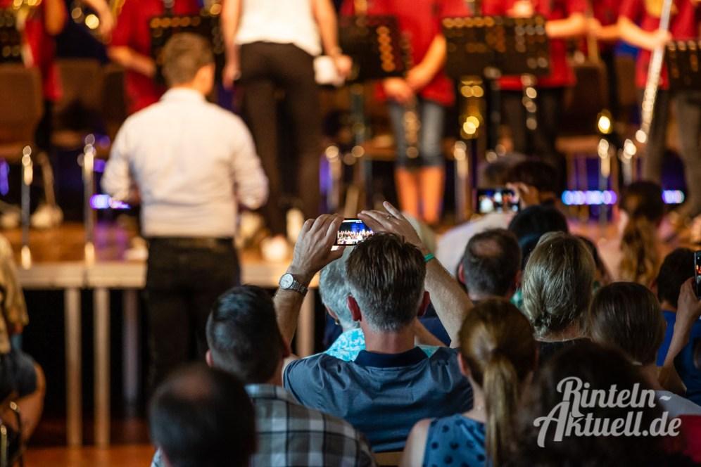 02 rintelnaktuell blaeserklasse swing kids orchester musik gymnasium ernestinum sommerbuehne 25-6-19