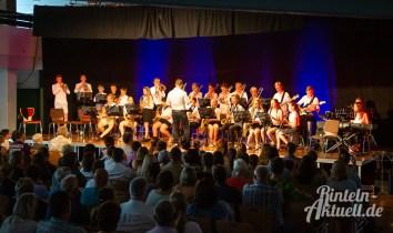 09 rintelnaktuell blaeserklasse swing kids orchester musik gymnasium ernestinum sommerbuehne 25-6-19