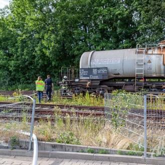 29 rintelnaktuell feuerwehr rinteln brand holz bahnschwellen grosse tonkuhle nordstadt 2.7.19