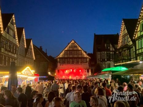 04 rintelnaktuell altstadtfest 2019 samstagabend openair tanz feier musik party bands unterhaltung innenstadt nacht