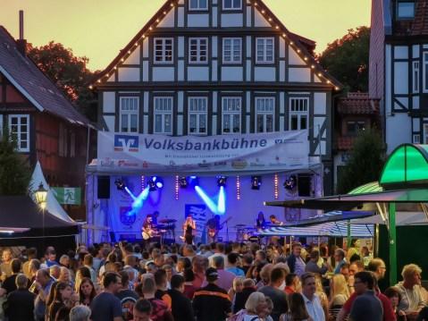 17 rintelnaktuell altstadtfest 2019 musik openair feier innenstadt city rinteln buehnen