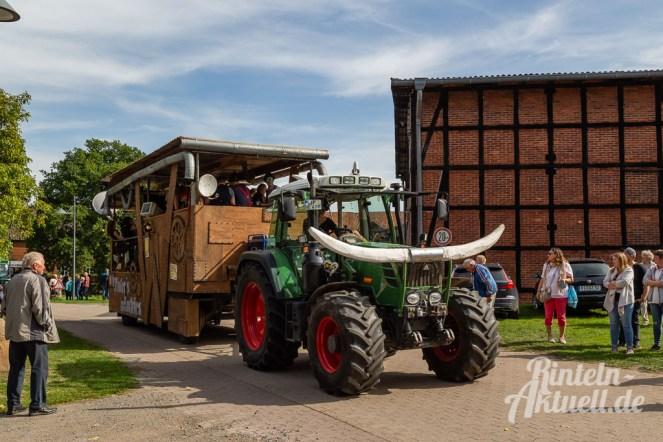 84 rintelnaktuell moellenbeck erntefest 2019 erntewagen ernteumzug dorf feier party