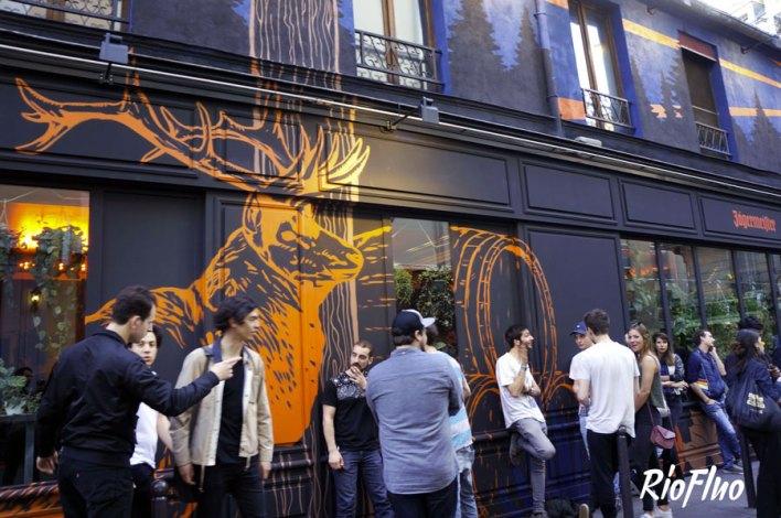 Démarquez-vous auprès de vos clients et collaborateurs, nous avons les meilleurs artistes et créons les meilleurs fresques immenses et adaptées à votre goût. Dans le cadre d'un évènement, permet d'en mettre plein la vue aux invités dès leur arrivée en les plongeant dans un univers particulier. deco-in-out, décoration, fresque, peinture,riofluo, live painting, street-art, france, graffiti, art urbain, peinture, performance, ile de france, artistique, artiste, graffeur