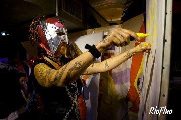 Pour la sortie du nouveau site Riofluo.com, nous vous avons offert un event d'anthologie ! Un Battle Street-Art avec 4 adversaires, 2 MC's, 2 ring girls dans une ambiance dingue avec des gages et des cadeaux. A la Favela Chic, avec Posca Battle street-art, event, Posca, Favela Chic, lucha libre, Sitou, shou, andré trenier, ernesto novo, skio, ring girl