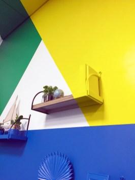 À l'occasion de l'aménagement de leur salle de leur meeting room Google Drive, nous avons réalisé une anamorphose mi-sticker mi-peinture pour l'entreprise Atos, spécialiste de la transformation digitale, afin de donner plus de perspective ludique à ce lieu. Merci à Aressy pour avoir fait appel à Riofluo et à l'artiste Djalouz pour sa précision d'exécution. #anamorphose #atos #aressy #machine learning #deco #agencement #streetart # digitale #googledrive #