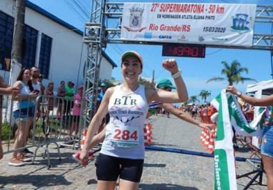 Premiada em Rio Grande, maratonista de Bento Gonçalves decide doar prêmio para HU-Furg/Ebserh