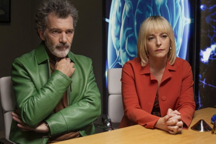 Antonio Banderas and Nora Navas in Pain and Glory (Dolor y gloria), directed by Pedro Almodóvar and reviewed at Riot Material magazine.