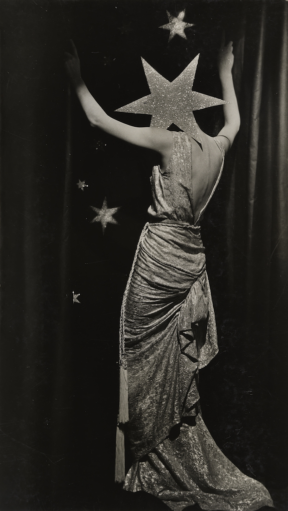 Dora Maar, Untitled (Fashion photograph) c. 1935, at Tate Modern. Reviewed at Riot Material Magazine.