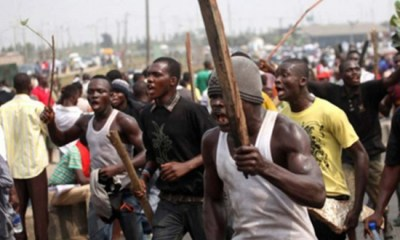 ZAMFARA: Police scale fence with suspected bandits to escape the wrath of angry youths
