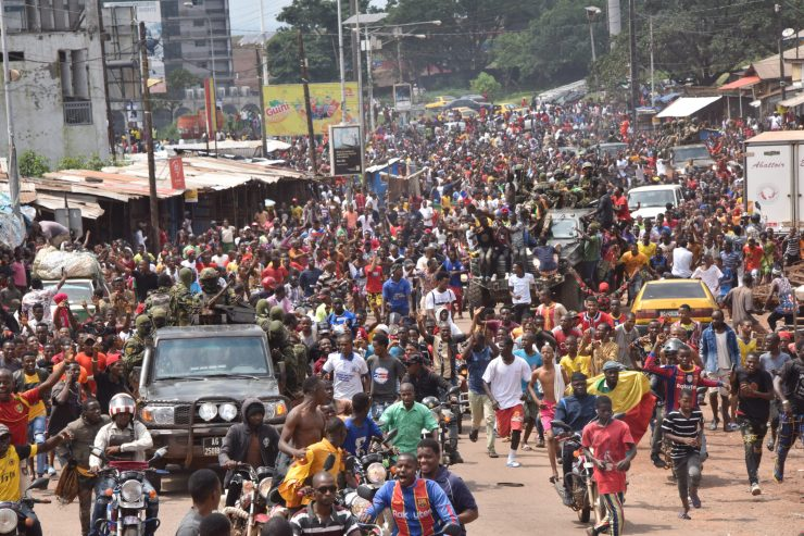 Guineans celebrate as soldiers seize power (photos)