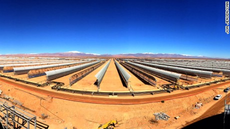 150202141141-morocco-solar-field-scenes-from-the-field-large-169