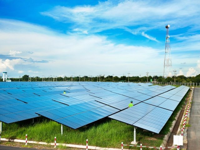 8-he-has-invested-in-fixing-our-power-grid-problems-with-a-solar-power-utility-called-solarcity
