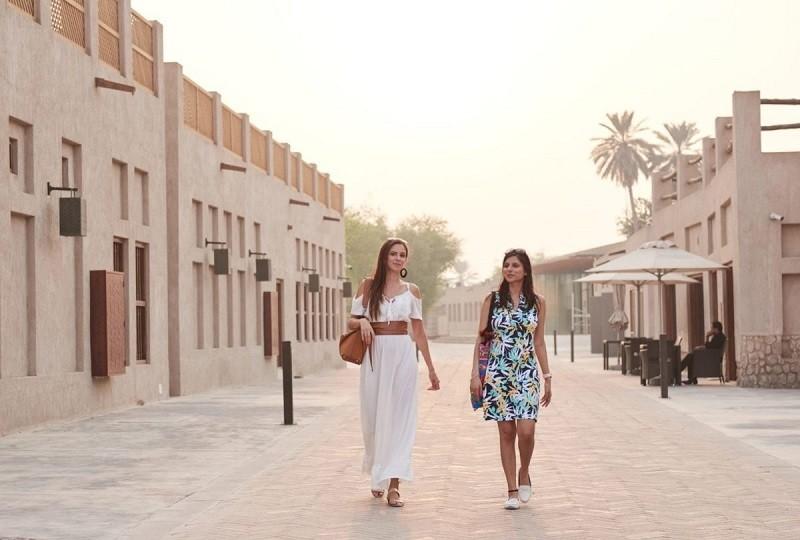 Traveling around Dubai