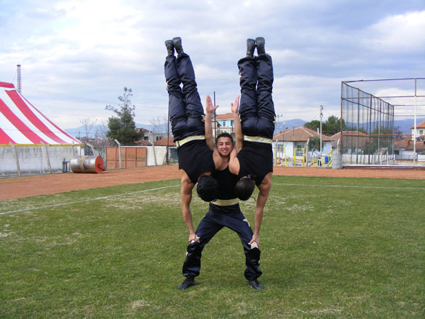 And Acts Carry Circus Lift