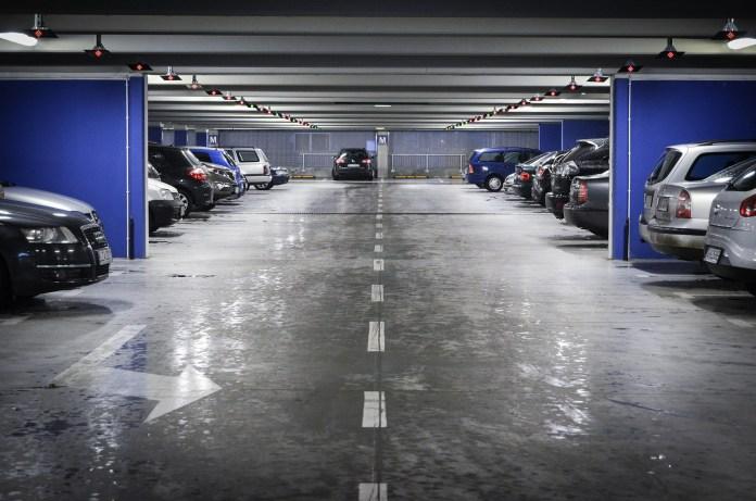 Brandweer Nederland geeft advies over laadvoorzieningen voor elektrische voertuigen in parkeergarages