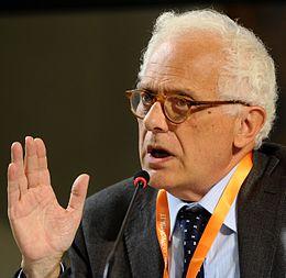 Vincenzo Visco economista di riferimento di Articolo 1