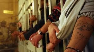 Il sovraffollamento delle carceri costituisce un problema strutturale, acuito dalla presente emergenza sanotaria