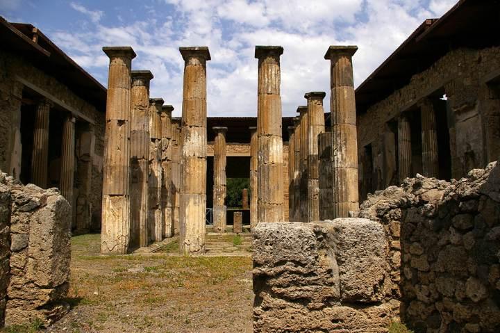Pompei - peristilio di una casa
