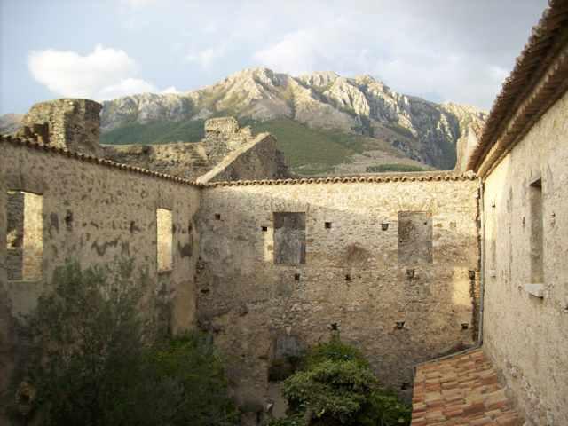 castello-prata-monti