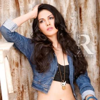 Amyra Dastur (3)