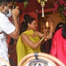 Kajal Aggarwal Looks Absolutely Beautiful At Her Haldi Ceremony (1)