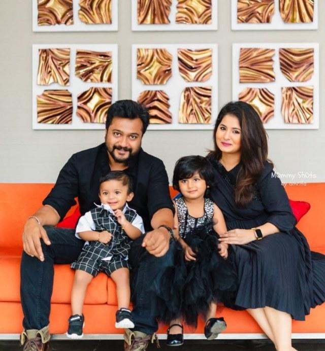 Bobby Simha And Reshmi Menon (2)